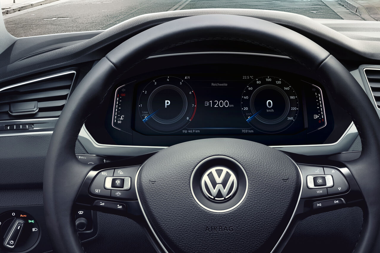 VW Tiguan Allspace Cockpit mit Active Info Display